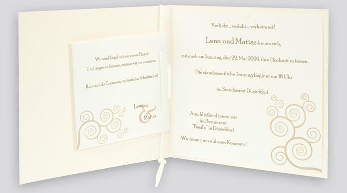 Einladungskarte Ornament Fensterstanzung metallic creme jq481
