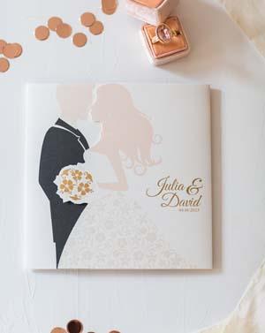 Hochzeitskarte aus der Serie mit Braut, Bräutigam und Brautstrauß und Magnet zum Verschließen