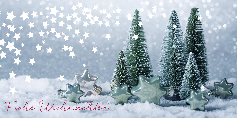 Türkisgrüne Weihnachtskarte DIN lang mit Sternen und Tannenbäumen ...