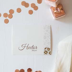 Tischkarte aus der Serie Braut, Bräutigam mit Brautstrauß
